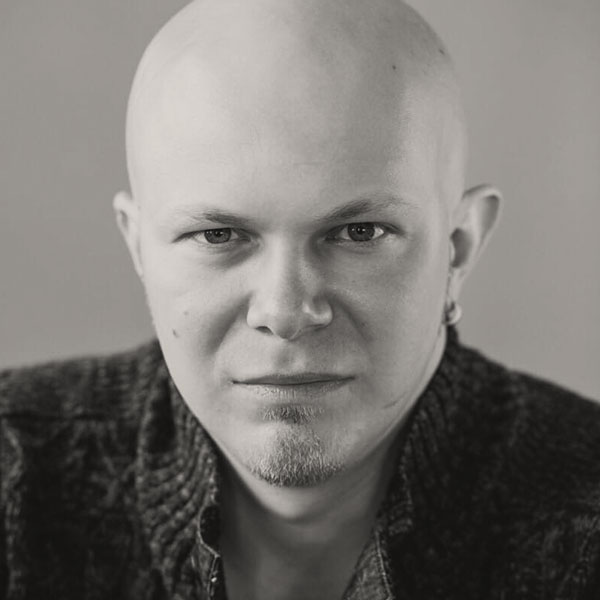 Игорь Опарин